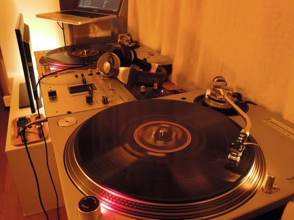 DJ Booth 2