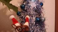 チェストの上のクリスマスツリー