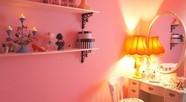 壁際にあるランプが好き