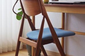 デスク用の椅子。