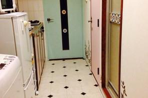 洋室へと続く廊下&キッチン
