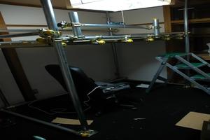 単管パイプ式ロフトベッド建設