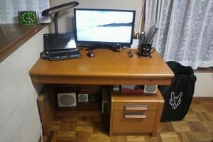 机まわり(before)
